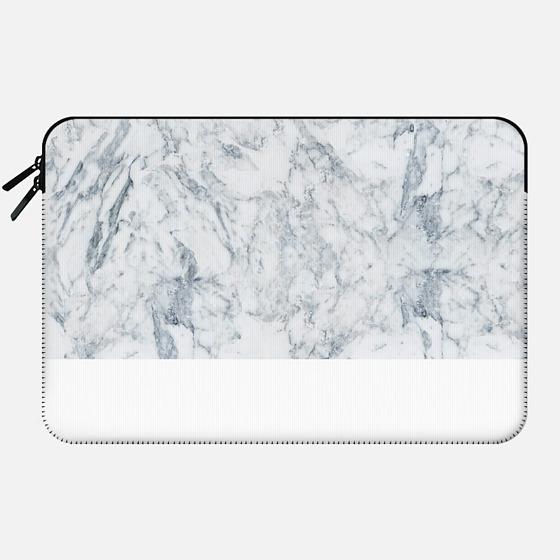 Modern blue white trendy marble texture pattern - Macbook Sleeve