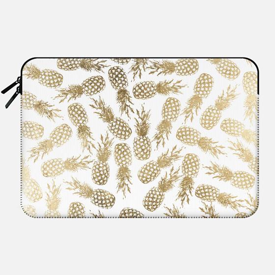 Elegant white faux gold tropical pineapple pattern - Macbook Sleeve