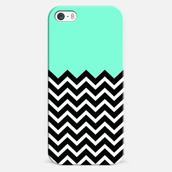 Tiffany Turquoise Black & White Chevron Design - Classic Snap Case