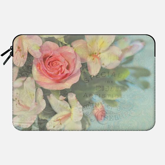 Hello Lovely One - Macbook Sleeve